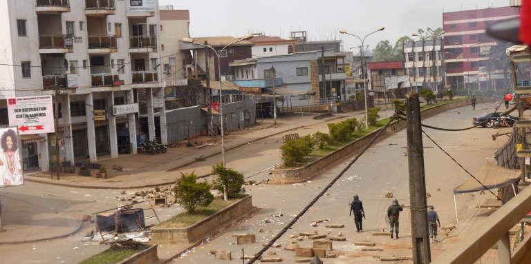 A Bamenda, chef-lieu du Nord-Ouest, l'une des deux régions anglophones, après des affrontements entre jeunes et police le 8 décembre 2016.