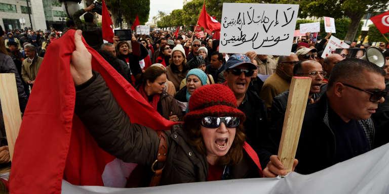 A Tunis, le 8 janvier 2017, manifestation contre le retour de djihadistes tunisiens dans leur pays.