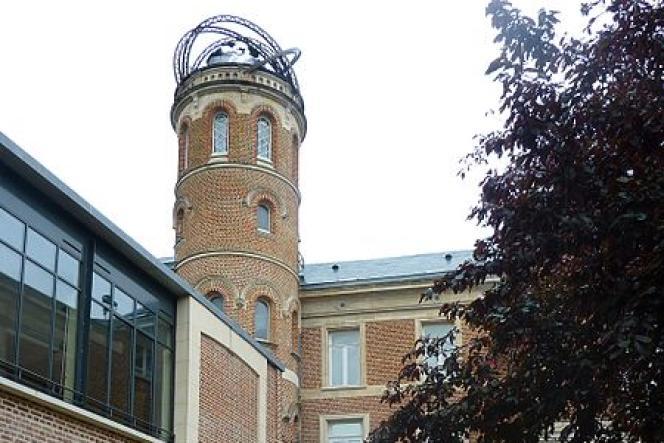 La tour de la maison de Jules Verne, à Amiens (Somme), surmontée d'une sculpture conçue par le dessinateur François Schuiten.