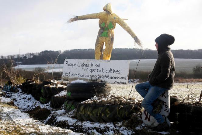 Près de Bure (Meuse), les opposants à l'enfouissement des déchets nucléaires ont fait des semis sur des terres de l'Andra.