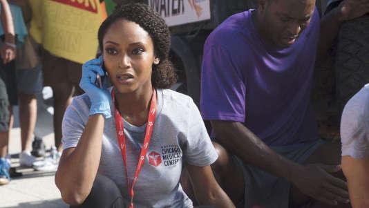 """L'actrice Yaya DaCosta dans la série américaine """"Chicago Med"""", actuellement diffusée sur TF1"""