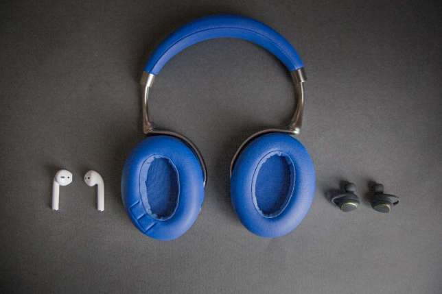 Les écouteurs ont unequalité sonore moins bonne, mais ils sont beaucoup plus faciles à transporter.