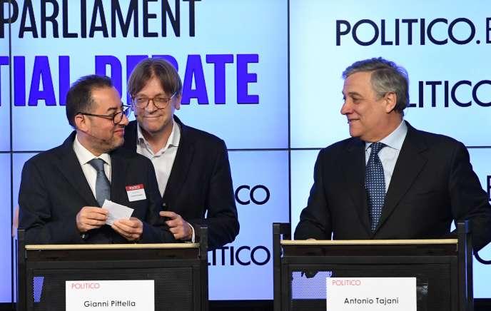 Les candidats à la présidence du Parlement européen, avec, de gauche à droite, Gianni Pittella, Guy Verhofstadt et Antonio Tajani, lors d'un débat à Bruxelles le 11 janvier 2017.