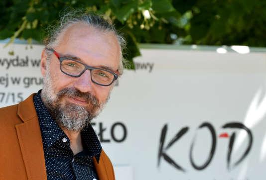 Le dirigeant du KOD, Mateusz Kijowski, à Varsovie, le 21 juillet 2016.