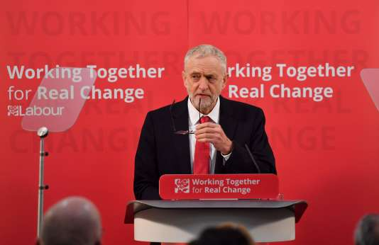 Le chef de file du Parti travailliste, Jeremy Corbyn, à Freston (Suffolk), le 10 janvier.