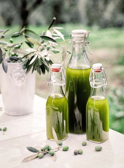 L'huile nouvelle (ici, celle de Le Amantine) est appréciée pour son « ardence », le piquantressenti dans la gorge.