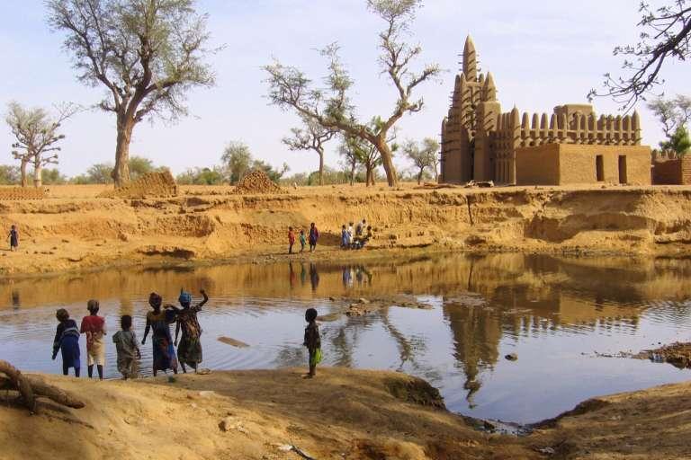 La mosquée de Kani-Kombolé, près de Mobti, au Mali. Photo datant de 2006.