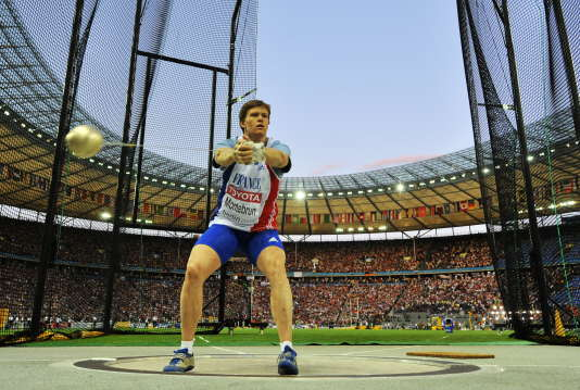 La spécialiste française du marteau devrait récupérer la médaille de bronze des Jeux olympiques de Pékin, à la suite des contrôles positifs rétroactifs de deux adversaires.