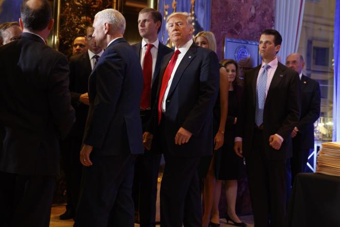 Donald Trump, après une conférence de presse dans le hall de la tour Trump, à NewYork, le 11janvier.