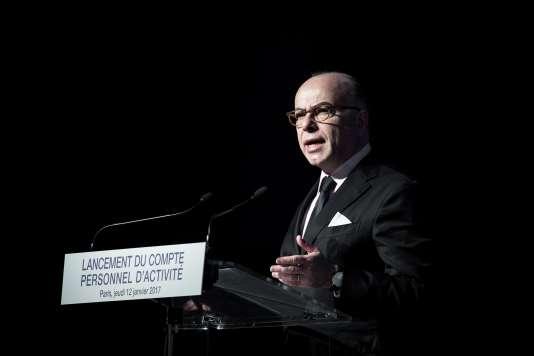Le premier ministre Bernard Cazeneuve lors de la présentation du Compte personnel d'activité (CPA), à Paris, le jeudi 12 janvier.