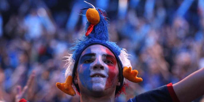 Un supporteur français lors du match inaugural face au Brésil, à Paris, le 11 janvier.