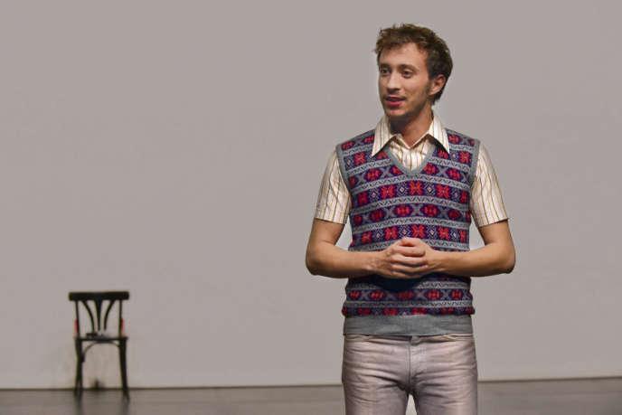 Maurin Olles dans le rôle de Thierry Voeltzel.