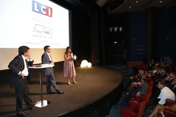 Gilles Pélisson, Thierry Thuillier et Catherine Nayl, lors d'une conférence de presse le 25 août à Boulogne-Billancourt.