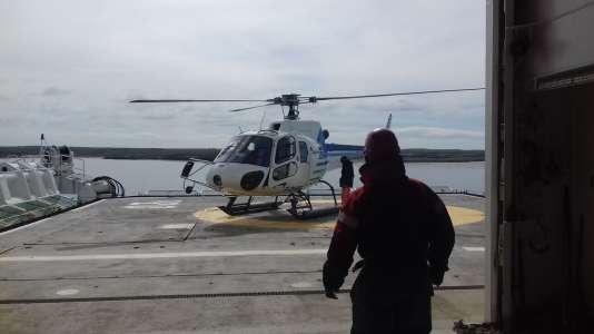 La vie à bord du« Marion Dufresne», le ravitailleur des Terres australes et antarctiques françaises, qui a secouru Kito de Pavant le 7 décembre 2016.