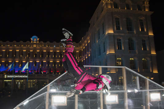 Compétiteur catégorie Hommes, de la Red Bull Crashed Ice, organisée les 13 et 14 janvier à Marseille.
