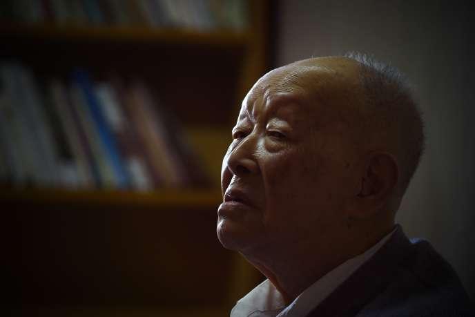 Zhou Youguang, chez lui, à Pékin, le 11 janvier 2015.