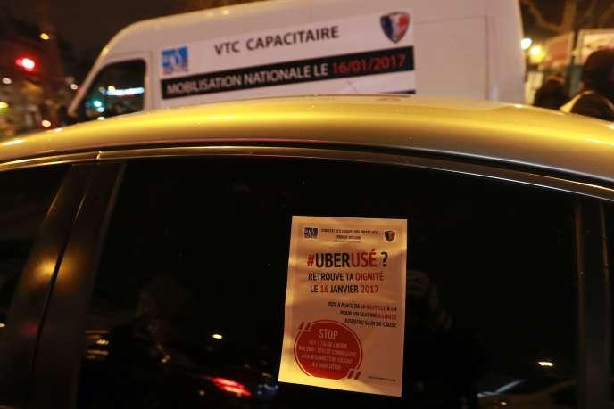 Manifestation de chauffeurs de VTC, place de la Bastille, à Paris, lundi 16 janvier.