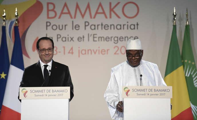 Les présidents français François Hollande et malien Ibrahim Boubacar Keïta, le 14 janvier, à Bamako.