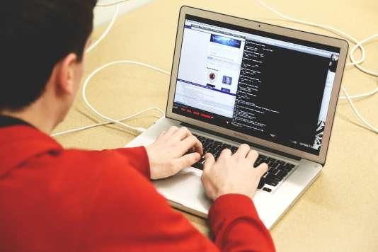 Sur le marché du travail, les profils qualifiés sont toujours plus demandés, une conséquence du progrès technique.