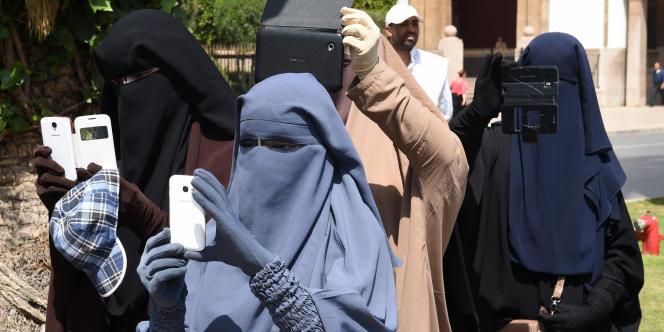 Femmes en niqab à Rabat en 2014.