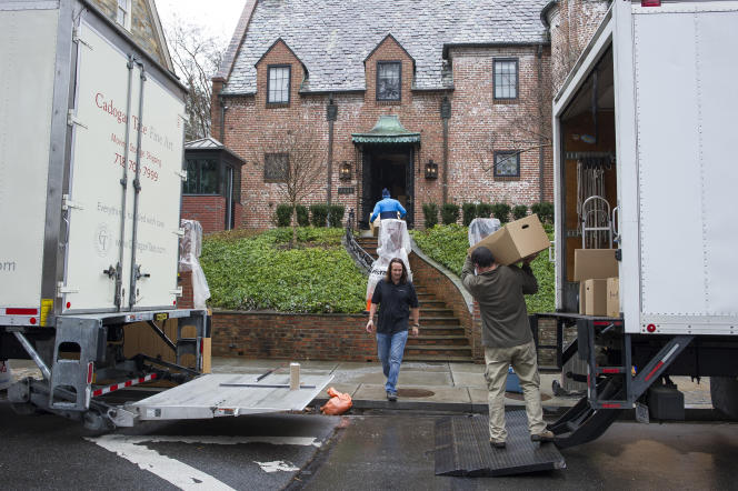 Emménagement de Barack Obama à son nouveau domicile dans le quartier de Kalorama à Washington, le 17 janvier.
