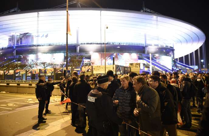 Trois terroristes se sont fait exploser le 13 novembre 2015, aux abords du Stade de France.