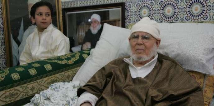Le cheikh Hamza Qadiri Al-Boudchichi en 2008. Il est mort le 18 janvier 2017 à l'âge de 95 ans. Il dirigeait la confrérie soufi de la Boudchichia depuis 1972.