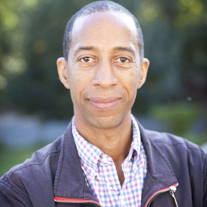 Garnette Cadogan, journaliste et essayiste, est né à Kingston (Jamaïque) et vit aux Etats-Unis.