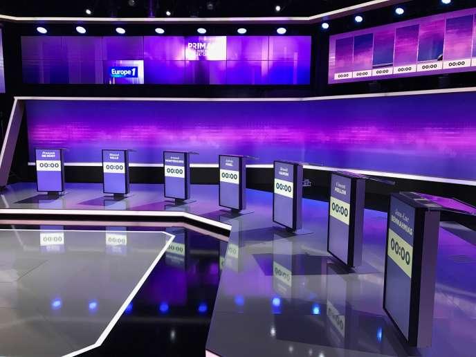 Troisième débat télévisé pour la primaire de la gauche sur le plateau de France 2 à Saint-Cloud, jeudi 19 janvier 2017.