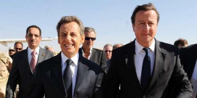 Le président Sarkozy, Bernard-Henri Lévy et le premier ministre britannique David Cameron, à Benghazi, le 15 septembre 2011.