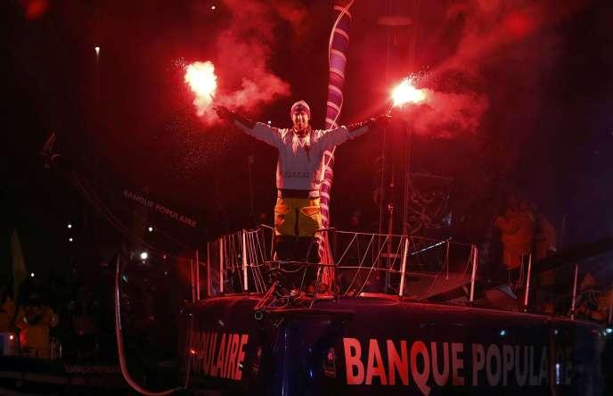 Armel Le Cleac'h célébrant sa victoire aux Sables d'Olonne le 19 janvier.