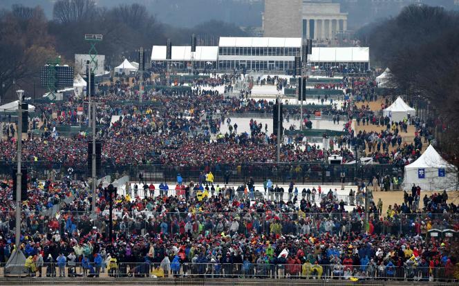 Une foule clairsemée est venue assister à l'investiture de Donald Trump, vendredi 20 janvier à Washington.