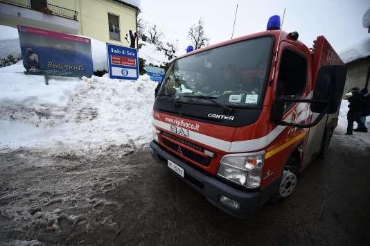 Les recherches continuent samedi 21 janvier dans l'hôtel enseveli mercredi par une avalanche.