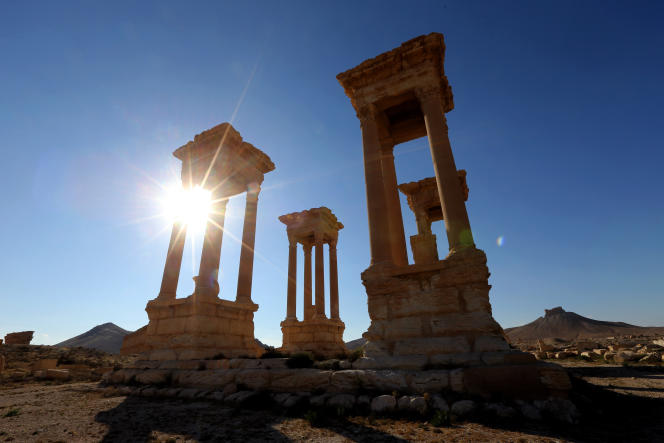 Le tétrapyle de Palmyre, un monument de 16 colonnes, a été détruit par l'organisation Etat islamique.