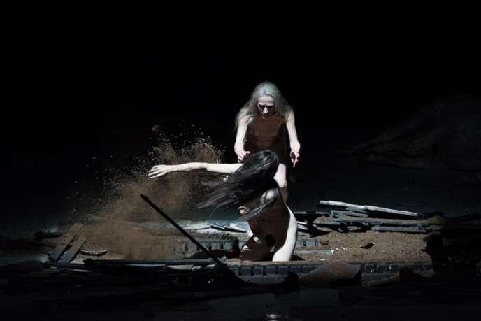 Jeanne d'Arc au bûcher d'Arthur Honegger à l'Opéra de Lyon, avec Audrey Bonnet (Jeanne)