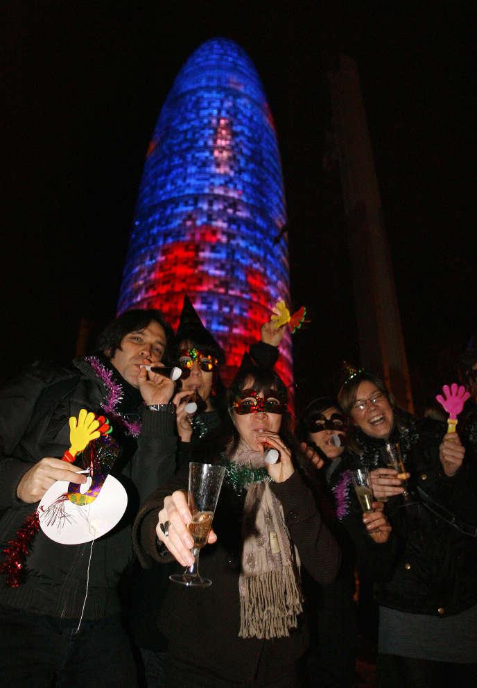 La Tour Agbar, à Barcelone, lors des festivités du Nouvel an.