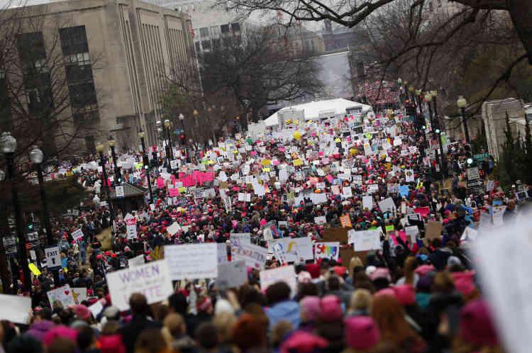 A Washington, beaucoup de manifestants ont fait le déplacement motivés par la peur que Donald Trump nomme un nouveau juge conservateur à la Cour suprême, ce qui pourrait conduire un jour à la remise en cause du droit à l'avortement.