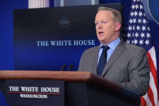 Le nouveau porte-parole de la Maison Blanche, Sean Spicer, lors de sa déclaration le 21janvier.