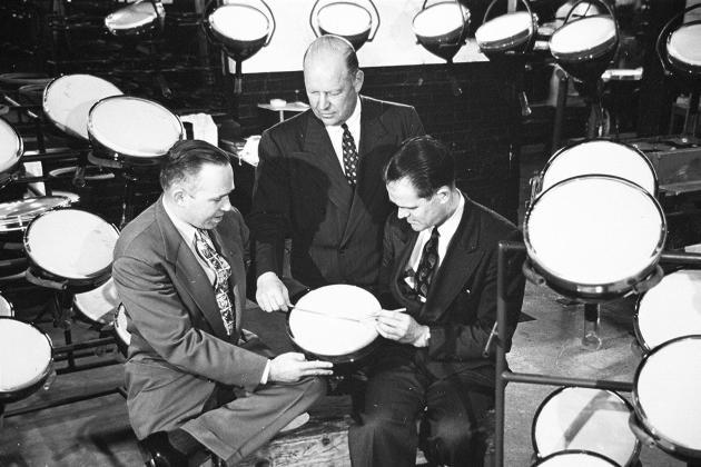 Thomas T.Goldsmith (à droite), au début des années 1950.