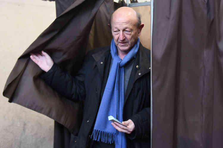 «Je suis positif quand je vois qu'il y a la queue pour voter, tout va se jouer sur la participation», a dit à Marseille Jean-Luc Bennahmias. «Il me semble que ce n'est pas l'électorat stricto sensu militant qui s'est déplacé», mais que c'est plus large, a-t-il ajouté en observant les quelques dizaines de personnes venues voter dans un gymnase d'école.