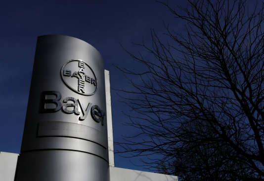 Environ un million d'implants Essure ont été vendus dans le monde depuis 2011, dont 140 000 en France, selon le laboratoire Bayer HealthCare qui les fabrique.