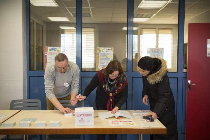 Bureau de vote de Florange, en Moselle, 22 janvier 2017.