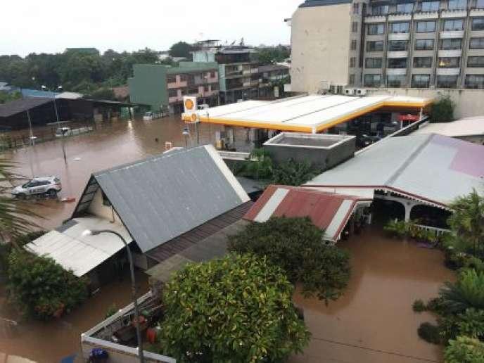 Les rues inondées de Papeete.