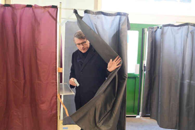 «C'est important, donner de la force à la gauche», a ajouté l'ancien ministre,avant de voter dans le 5e arrondissement de Paris.