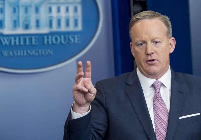 Sean Spicer s'est exprimé sur plusieurs questions de politique étrangère devant les journalistes.