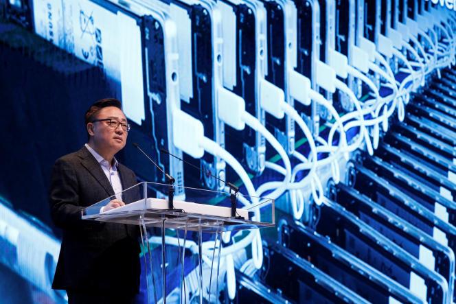 Koh Dong-jin, chef de la division mobile de Samsung Electronics, au siège de sa compagnie, à Séoul, le 23 janvier.