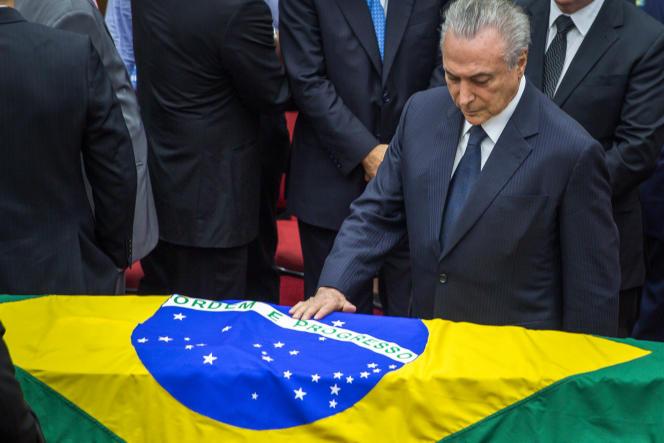 Michel Temer, aux funérailles du juge anticorruption Teori Zavascki, à Porto Alegre, le 21 janvier.