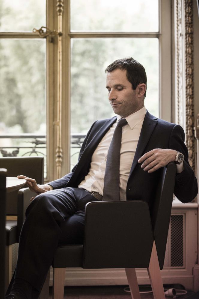 Benoît Hamon, le 14 avril 2014, dans son bureau, alors qu'il était ministre de l'éducation nationale.