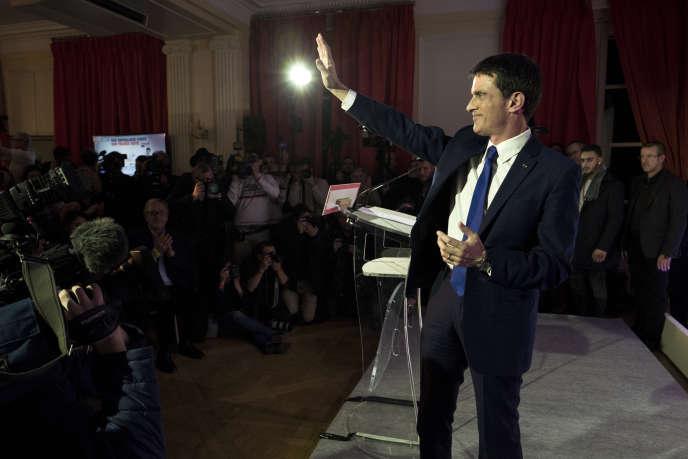 Manuel Valls après l'annonce des résultats du premier tour de la primaire à gauche, à la Maison de l'Amérique latine, à Paris, le 22 janvier.