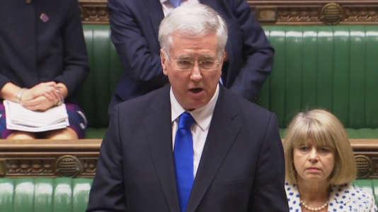 Le ministre de la défense, Michael Fallon, s'exprime devant le parlement britannique sur le tir raté d'un missile Trident, le 23 janvier.